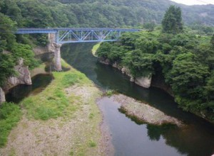 阿賀川鉄橋を週末SLが走る