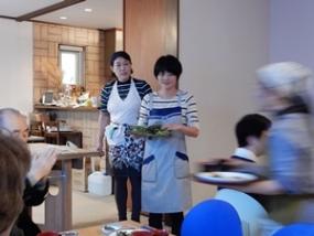 西会津の若き農業研修家小川さんによる料理の説明