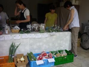 野菜販売会場