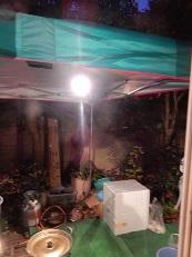 茹で場は屋外テント